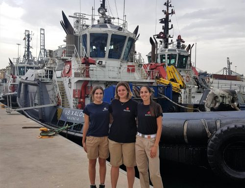Three young Valencians pave the way for women as seafarers on Boluda Towage tugboats